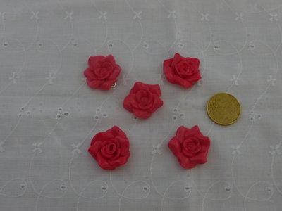 ciondoli rose rosse e rosa fucsia