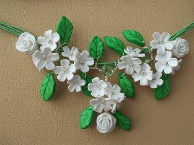 collana con fiori