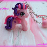 Collana con catena e ciondolo my little pony realizzato interamente a mano in fimo cernit...