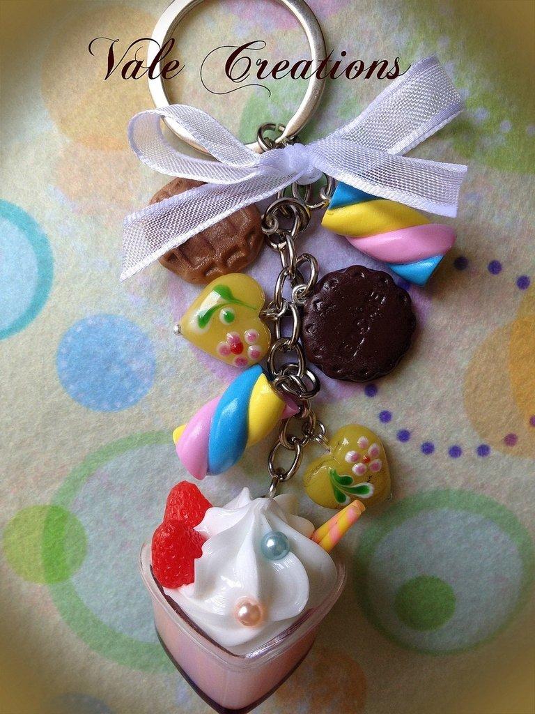 Portachiavi con dolcetti in fimo