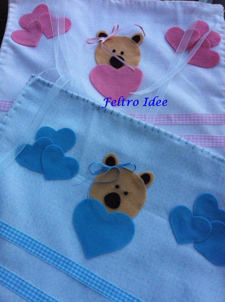 Portapigiamini in feltro e cotone per il lettino del tuo bambino