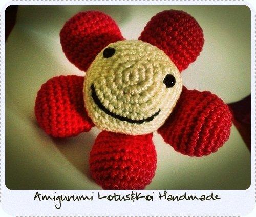 Happy Flower Amigurumi