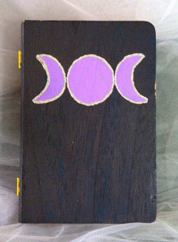 Scatola portaoggetti decorata con Triplice Luna - Offerta speciale!