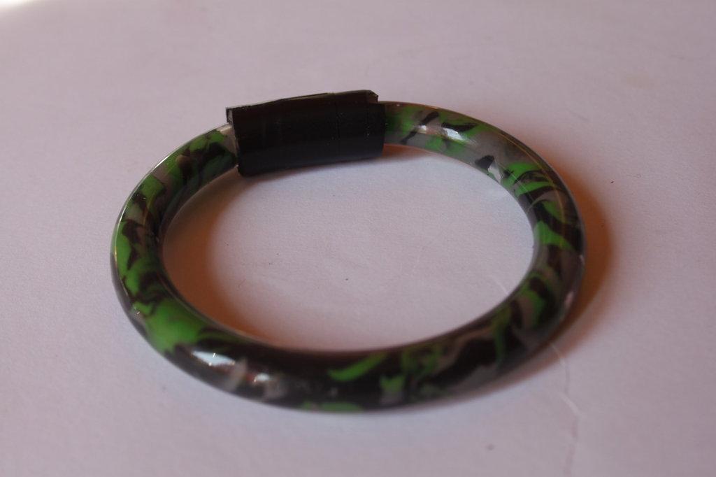 Braccialetto a tubo verde, grigio a nero