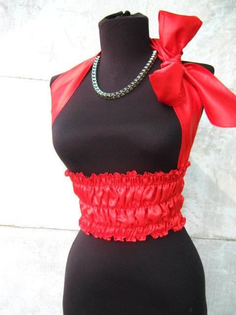 Corsetto rosso con nastro di raso