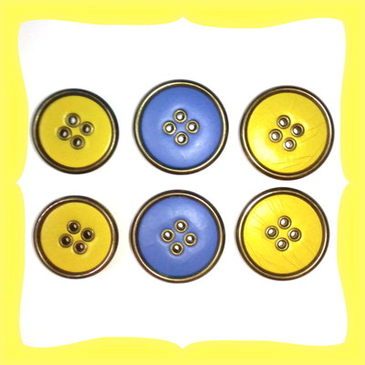 Lotto di 6 bottoni vintage
