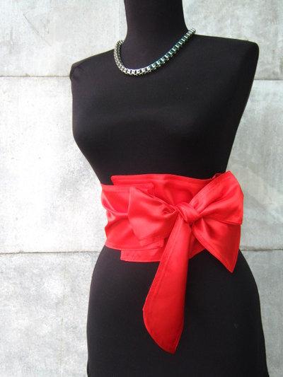 Rossa cintura con nastro di raso