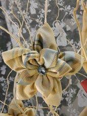 decorazione a forma di fiore