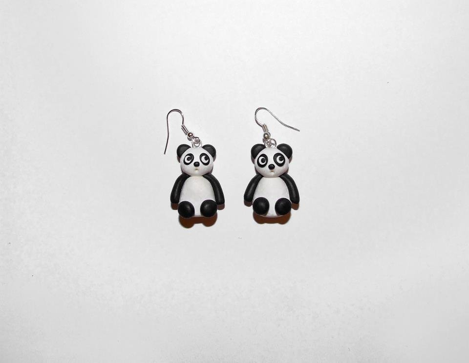 Orecchini pendenti con panda in fimo/cernit fatti a mano