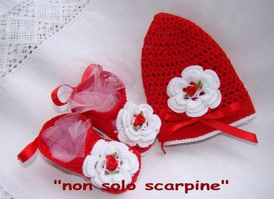 Set cappello e scarpine-Cappuccetto rosso