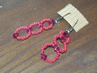 Orecchini fucsia, con perline e cristalli bicono, materiale nichel free, interamente fatti a mano!!!