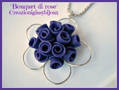 """Collana con ciondolo viola glitter """"Bouquet di roselline""""  fatto a mano in pasta di fimo"""