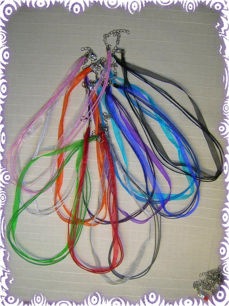 10 girocolli in organza e cordino colorati