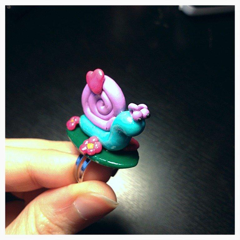 Go, go! Slow Snail! Anello in cernit!