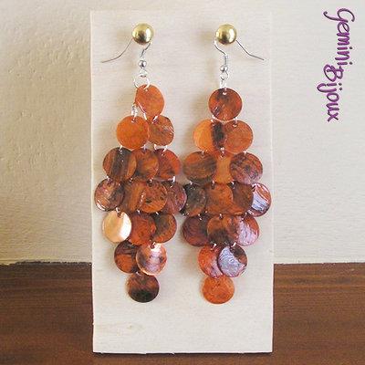 Orecchini a rombo con zecchini di madreperla arancio