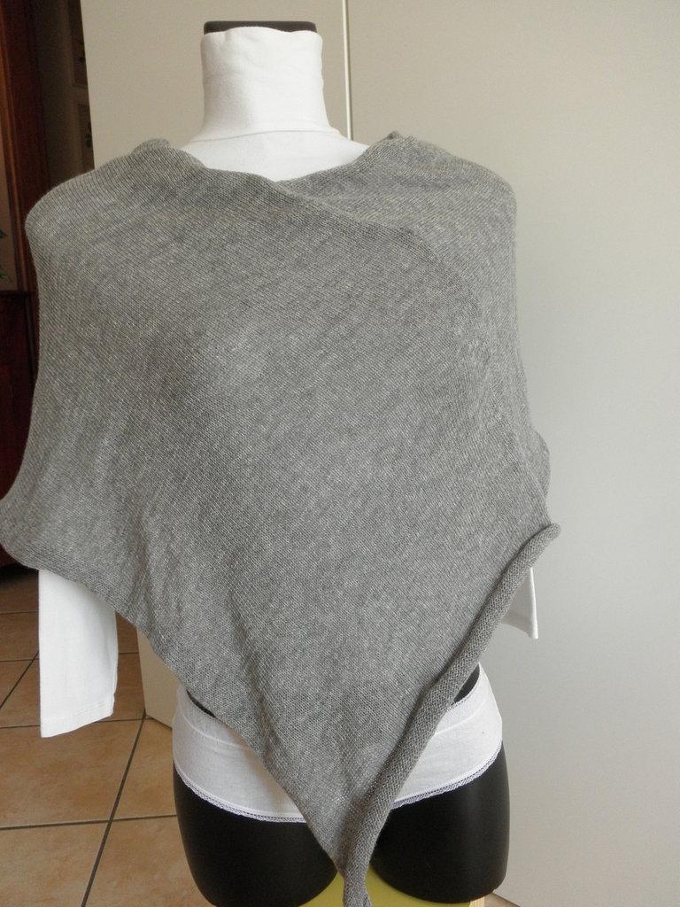 Poncho grigio chiaro,leggero,misto lana,accessori donna