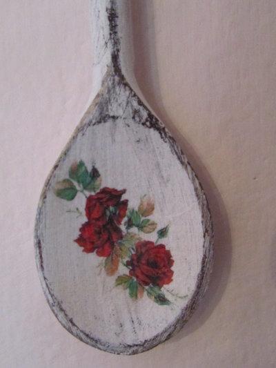 Cucchiaio da appendere in legno stile shabby per la casa for Oggetti da appendere