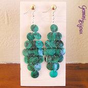 Orecchini a rombo con zecchini di madreperla verde smeraldo