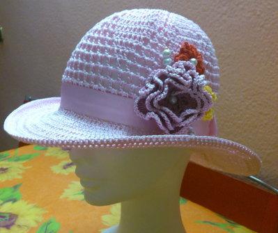 cappello estivo di cotone rosa fatto a mano