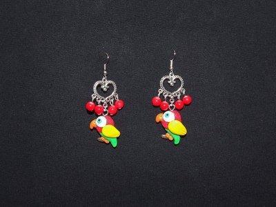 Orecchini pendenti con pappagalli in fimo/cernit fatti a mano