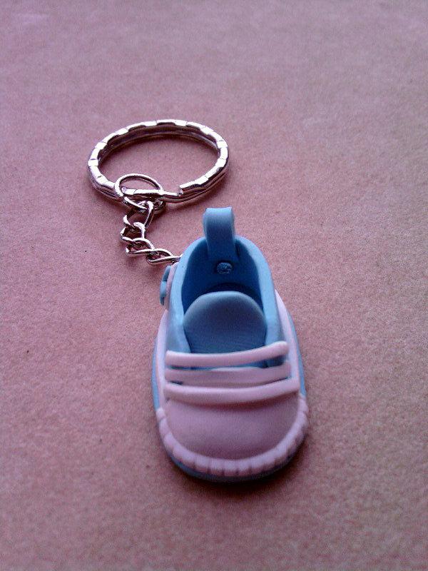 Portachiavi con mini scarpa All Star fimo