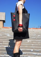 """la shopping bag"" in nero"
