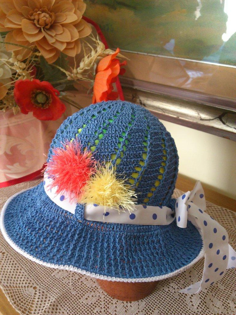cappellino estivo di cotone azzuro per bimba  3-8 anni