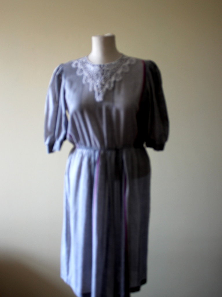 Light grey 1980s vintage summery cotton secretary dress.