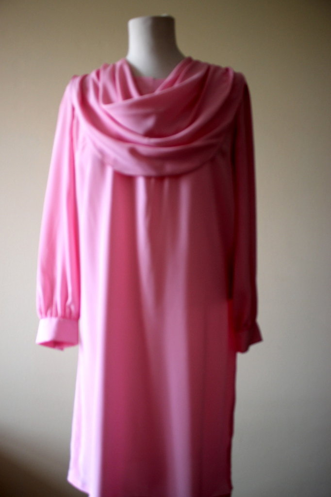 Baby pink XL size 1980s vintage polyester secretary/day/ evening dress.