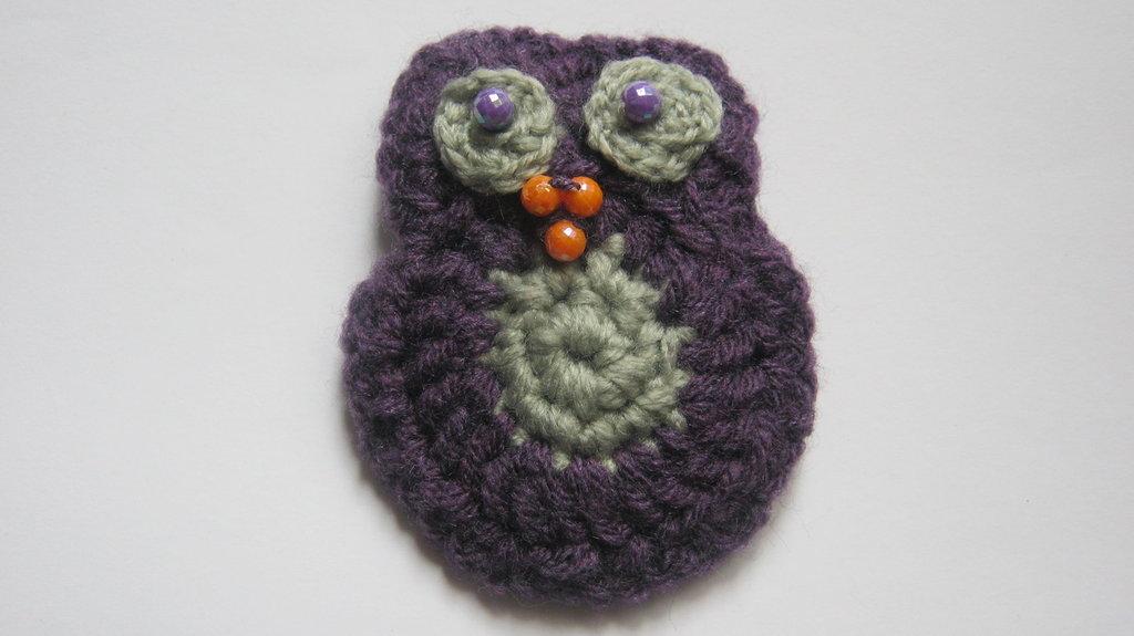 Le Spille Artigianali/ Owl crochet pin