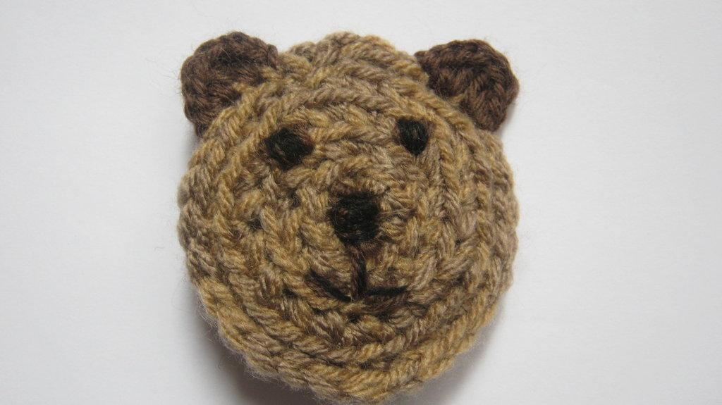Le Spille Artigianali/ Crochet bear pin