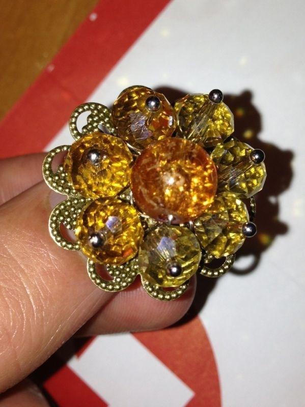 anello con filigrana giallo