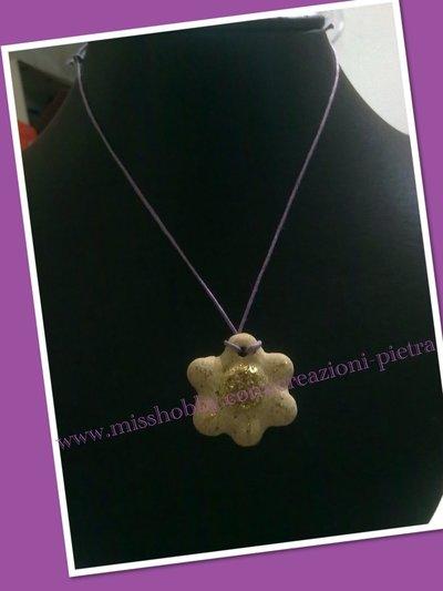 Fiorellino ciondolo pietra con glitter