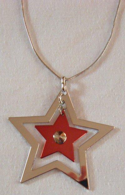 collana girocollo con catena colore argento e pendente a doppia stella
