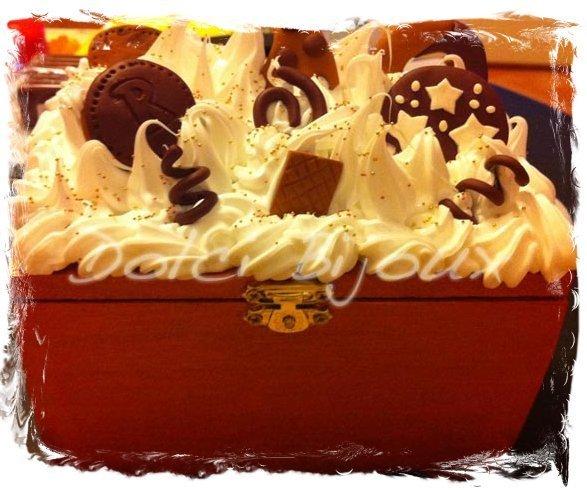 Portagioie grande con biscotti e panna