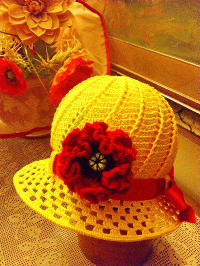 cappellino estivo di cotone giallo per bimba  5-7 anni