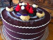 Torta - scatola portaoggetti decorata a mano