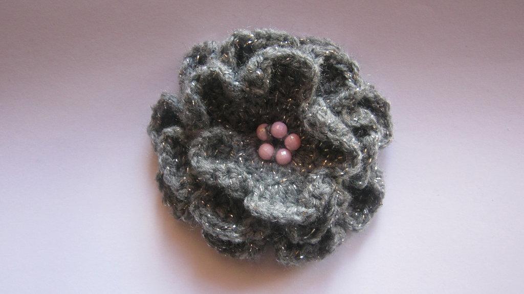Le Spille Artigianali, flower brooches