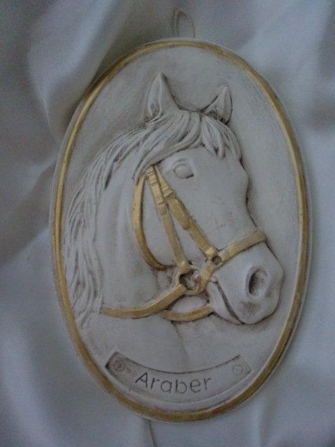 Ovale shabby con cavallo