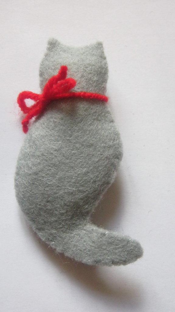 Le Spille artigianali, Cat Brooches