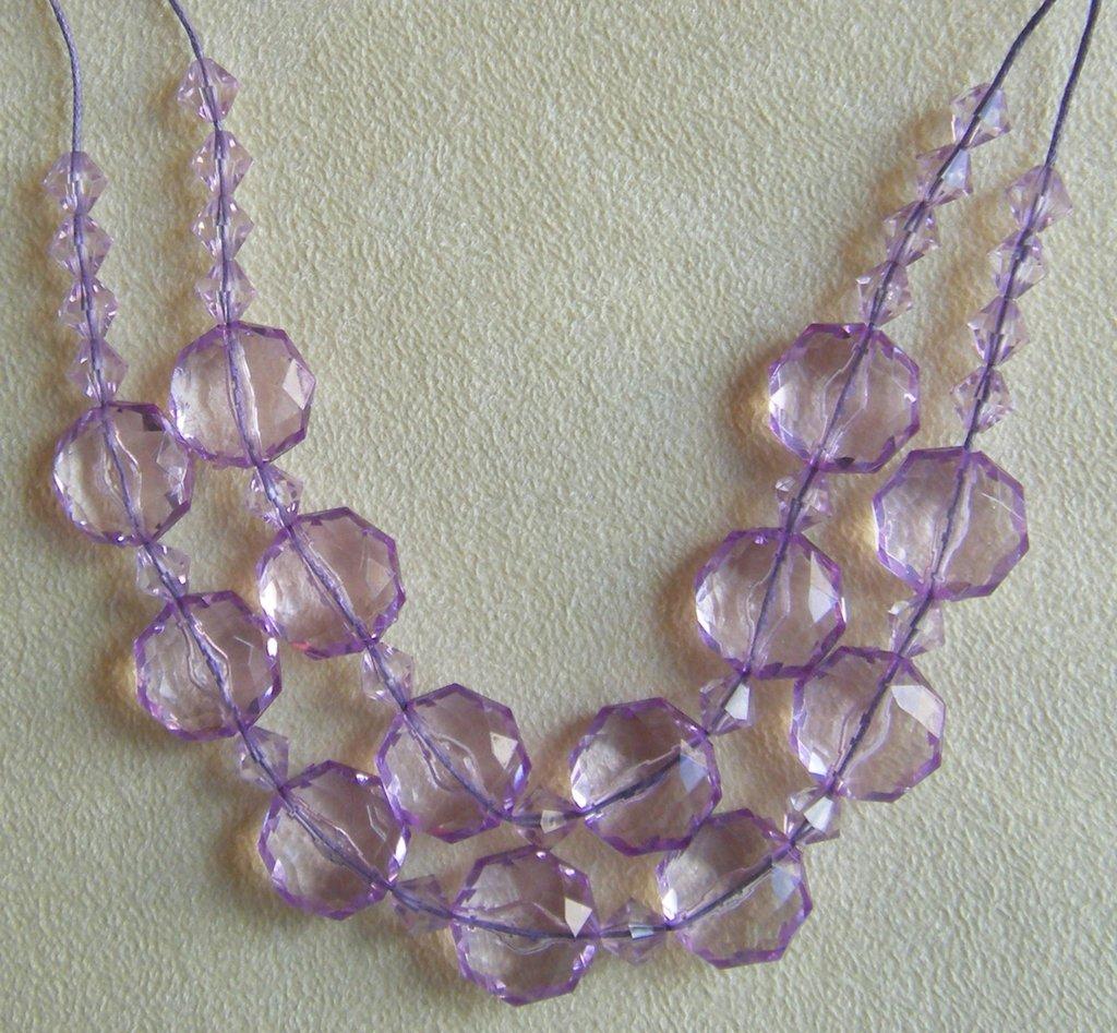 collana girocollo a 2 giri con perline in plastica