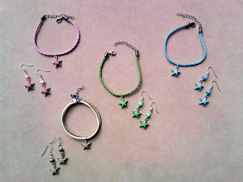 Braccialetto e orecchini con stelle colorate fimo