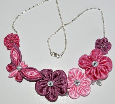 Collana kanzashi con farfallina su catena fatta a mano
