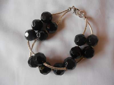 bracciale con perle nere