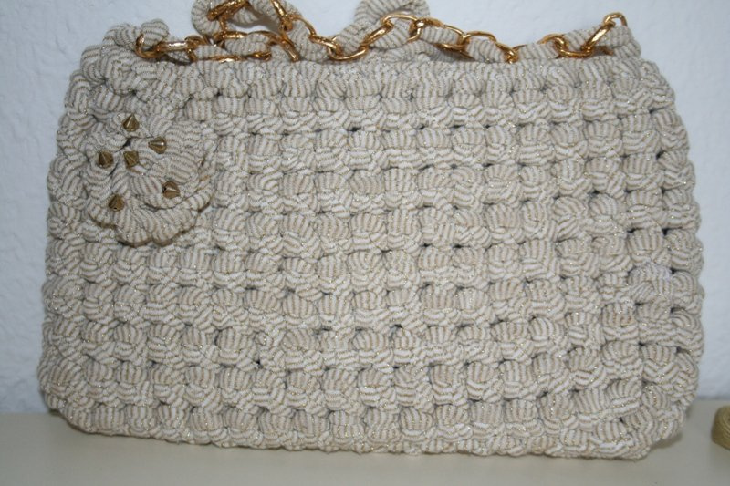Borsa in fettuccia realizzata ad uncinetto donna borse for Schemi borse uncinetto