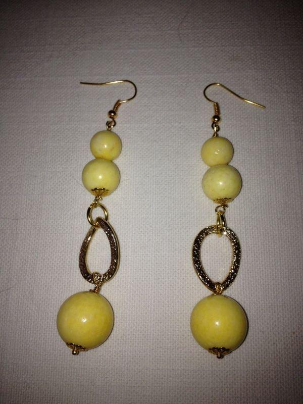 orecchini con pietre dure. Opale gialla