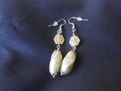 orecchini con pietre dure