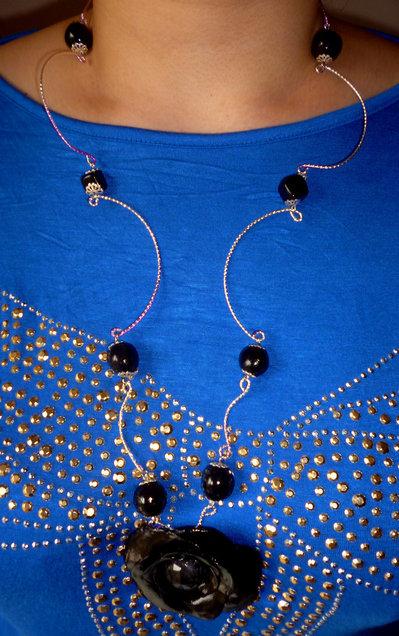 Collana rosa wire