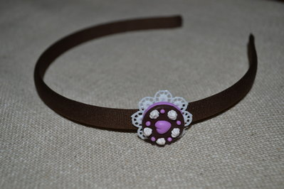 cerchietto marrone con tortina in fimo