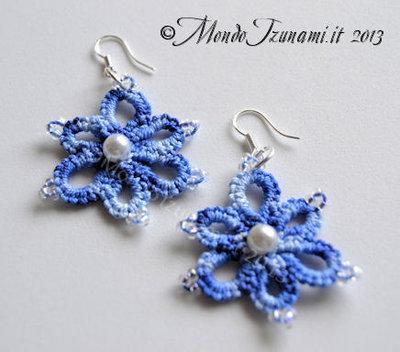 Orecchini Fiorellini Bluette con perline in Chiacchierino